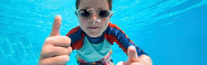 Zwemles_gekleedzwemmen.jpg